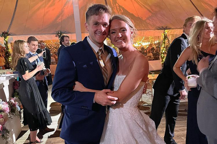 mauricio scott wife