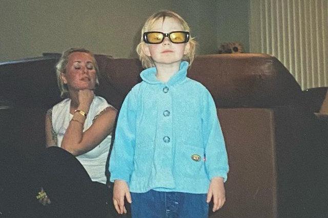 Bella Taylor Childhood