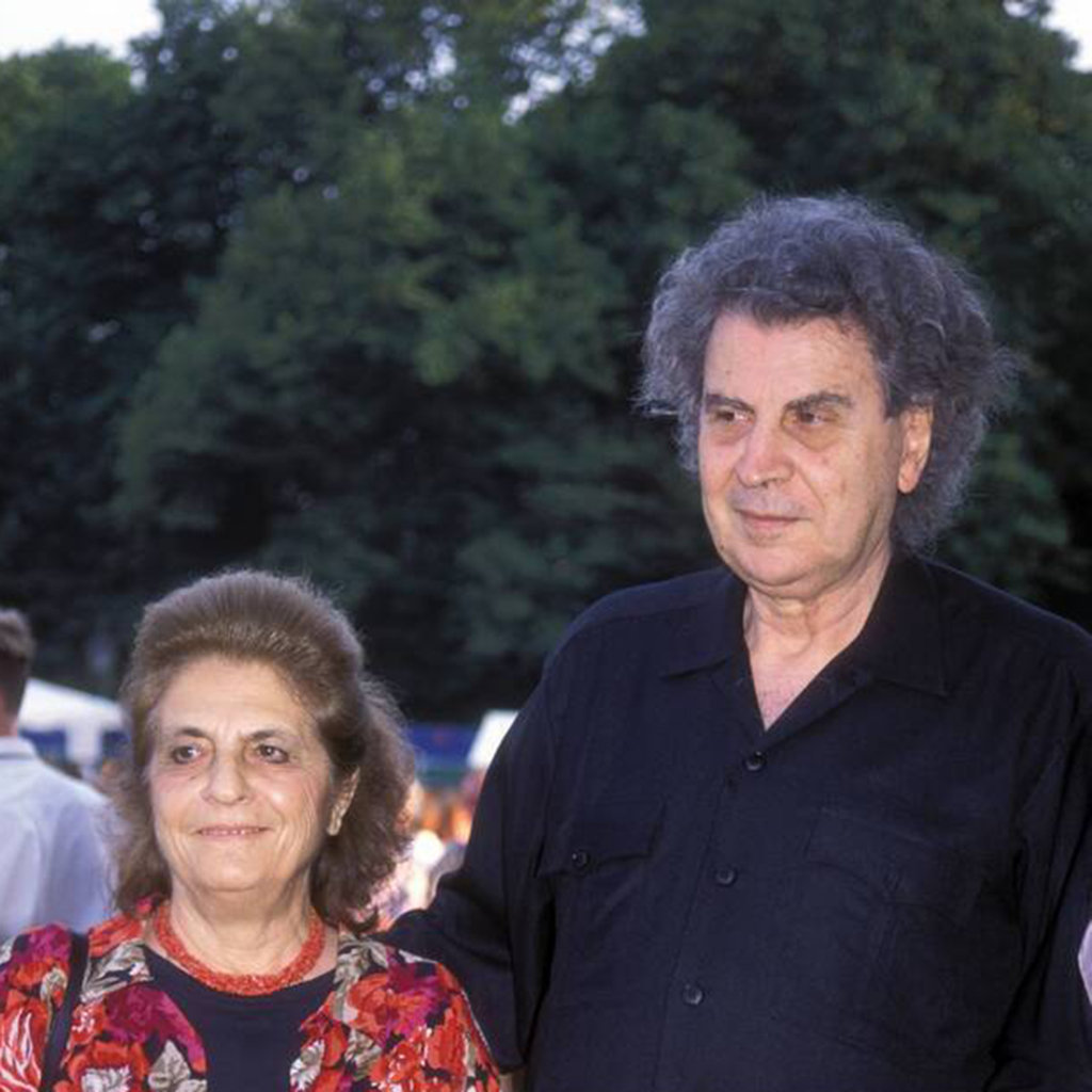 Mikis Theodorakis  Wife